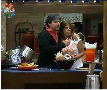 João Kléber abraça Raquel Pacheco (22/7/11)
