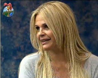 Monique Evans conversa com Raquel Pacheco e Marlon (22/7/11)