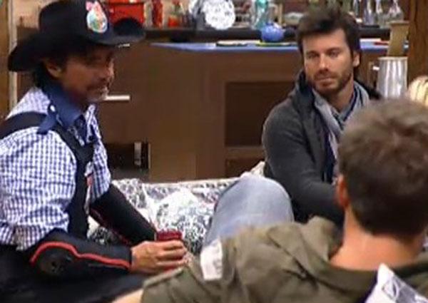 João Kléber conversa com Marlon e Thiago Gagliasso (26/7/11)