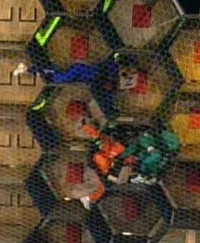 Peoas se embolam no meio da prova (31/7/2011)