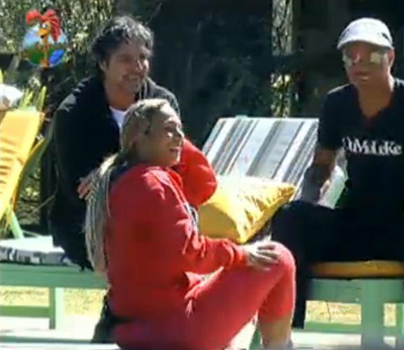 Dinei, Valesca e João falam da desunião do grupo Ovelha (04/8/11)