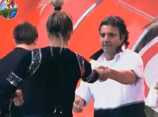 Dani Bolina dança com João Kléber (12/08/11)