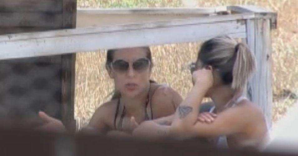 Joana e Dani conversam sobre o jogo (24/8/11)