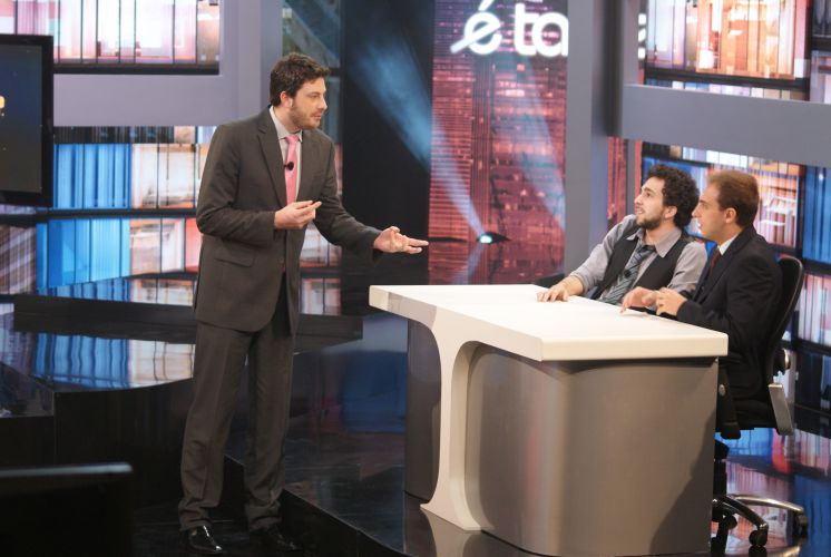 Danilo Gentili com Murilo Couto e Léo Lins nas gravações do piloto de
