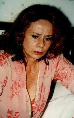 Teresa Giácomo (Débora Duarte)