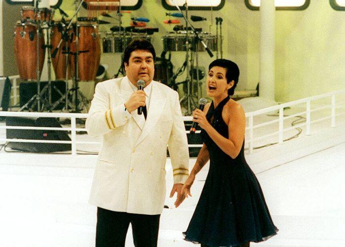 Os apresentadores Fausto Silva e Fátima Bernardes no programa