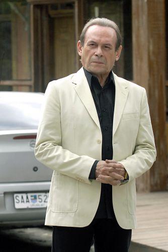 Umberto Brandão (José Wilker)