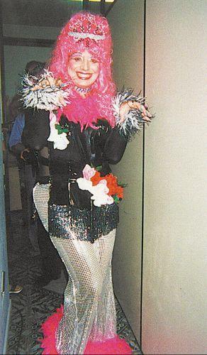 João Kleber se veste como a drag queen Charlote Pink, uma personagem de sua criação (2000)