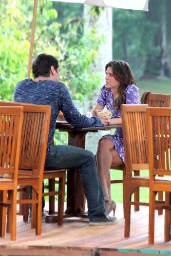 Gerson (Marcello Antony) chama Diana (Carolina Dieckmann) para conversar e revela que conseguiu falar sobre seu problema com o psicanalista. A cena deve ir ao ar na próxima segunda-feira, dia 29/11. Nesta data, inclusive, Gerson deve revelar ao psiquiatra qual é o seu segredo e todos o telespectadores também ficarão sabendo