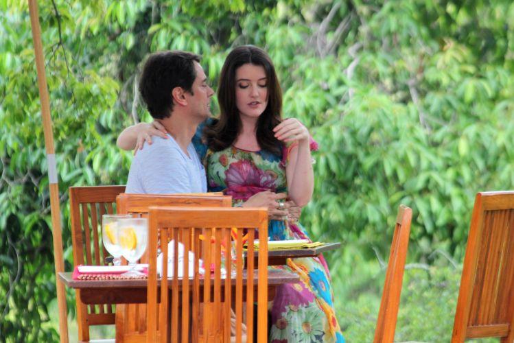 Gerson (Marcello Antony) chama Felícia (Larissa Maciel) para um almoço romântico. A cena deve ir ao ar dia 4/12
