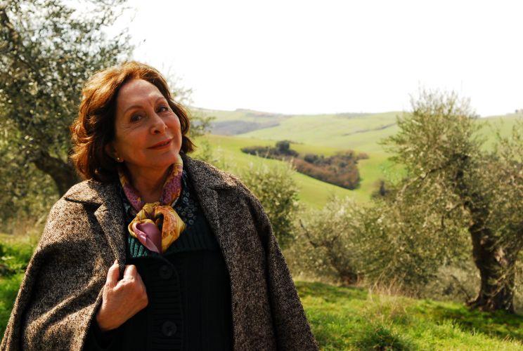 Gemma Mattoli (Aracy Balabanian)