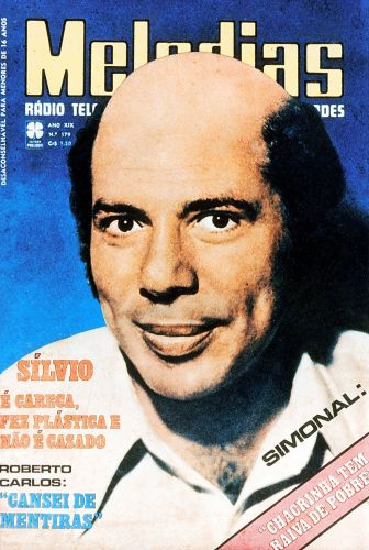 Silvio apareceu careca na capa da revista 