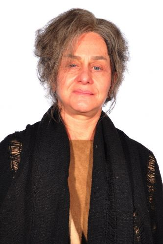 Cecília (Regina Braga)