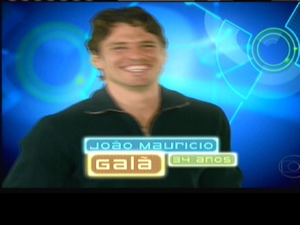 João Mauricio recebeu o apelido de galã na estreia (10/1/2012)