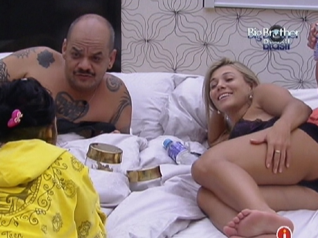 Brothers curtem mordomias do quarto do líder