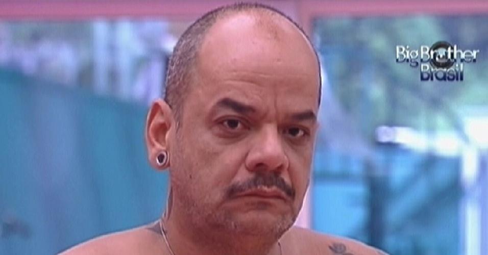 João Carvalho ao acordar na manhã desta quarta-feira (18/1/12)