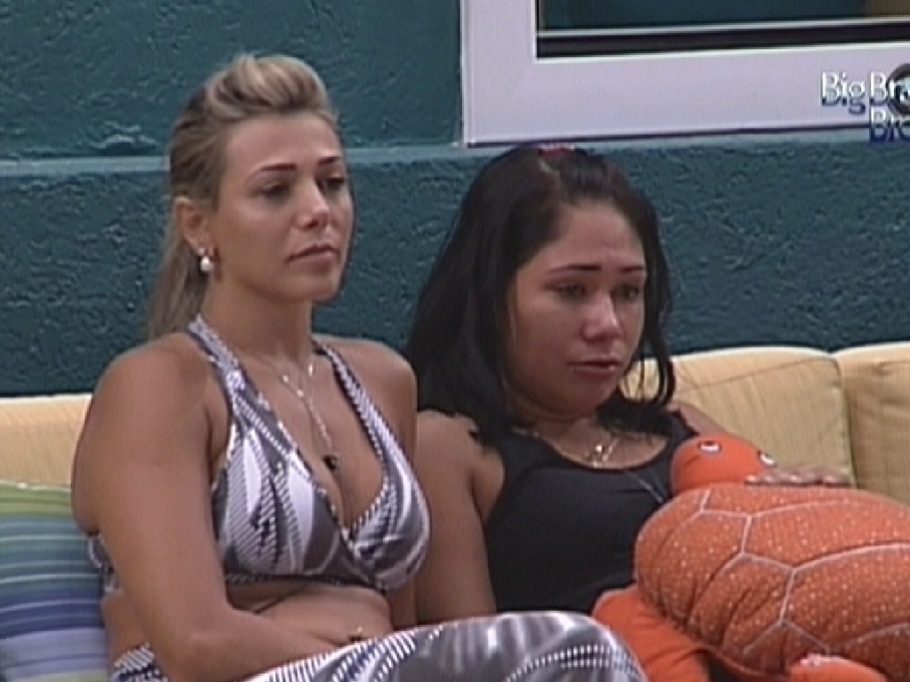 Fabiana e Jakeline foram eliminadas da prova do Lder por Ronaldo que tinha o poder do 'no' (19/1/12)