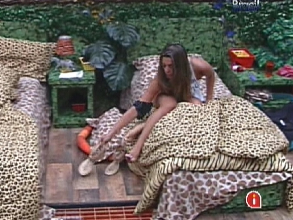 Monique volta a dormir (19/1/12)