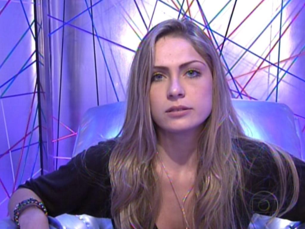 Renata vota em Fael (22/1/12)