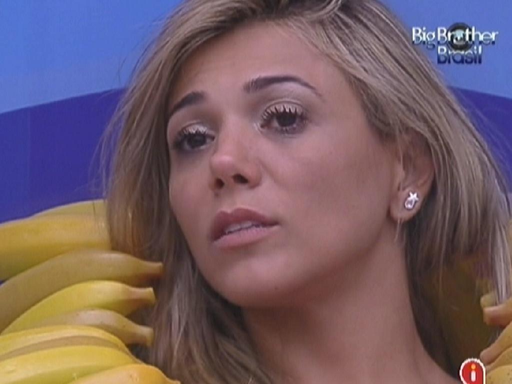 Fabiana chora a eliminação de Jakeline (24/1/12)