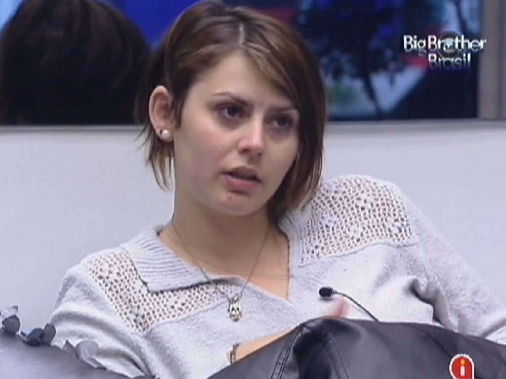 Mayara relembra Jakeline (25/1/12)
