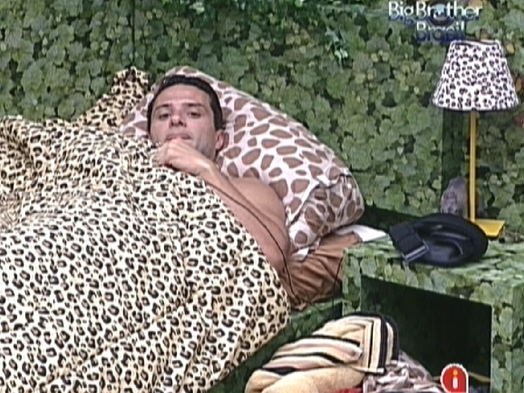 Ronaldo discute com Renata no quarto Floresta (25/1/12)