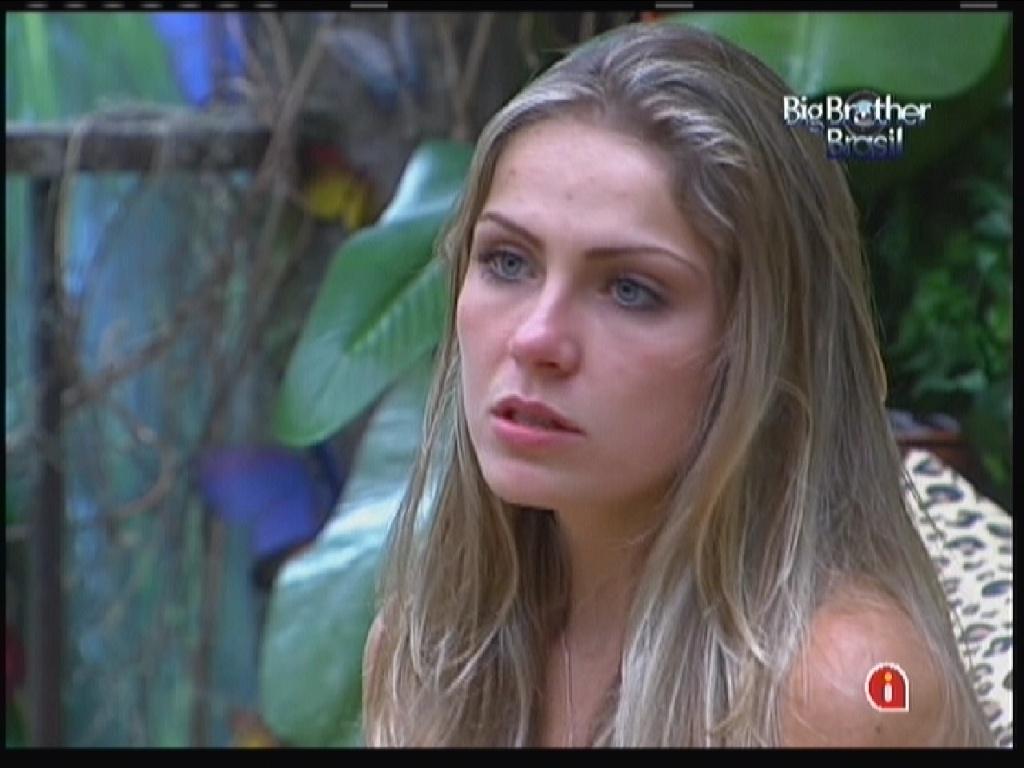 Renata desabafa com Mayara (26/1/12)