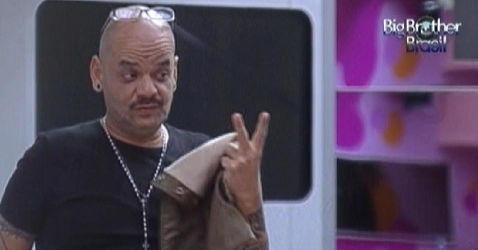 João Carvalho especula com Yuri sobre o que Fael teria ouvido no Big Fone (28/1/12)