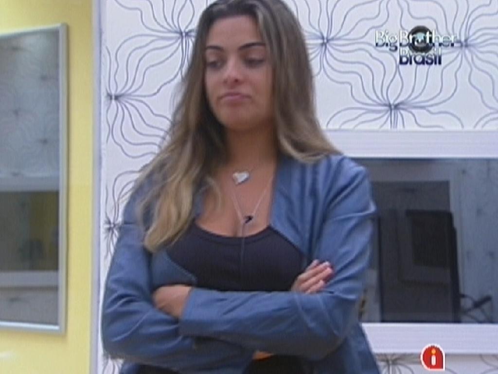 Monique conta para Laisa de seu receio de votar em Jonas (29/1/12)