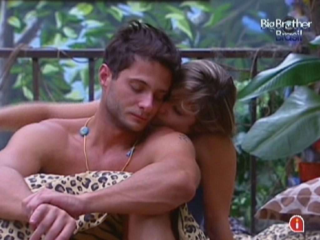 Ronaldo e Renata acordam neste domingo (29)