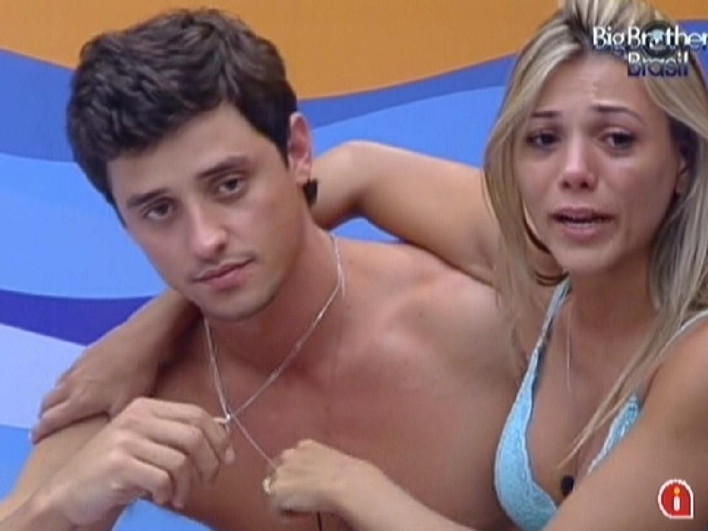 Fael emociona Fabiana com seu desabafo no quarto Praia (30/1/12)