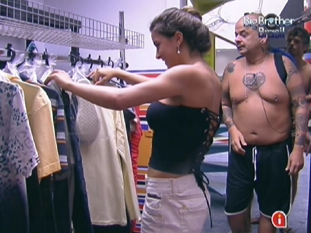 Laisa distribui as roupas da festa e brothers comeam a se arrumar (1/2/12)