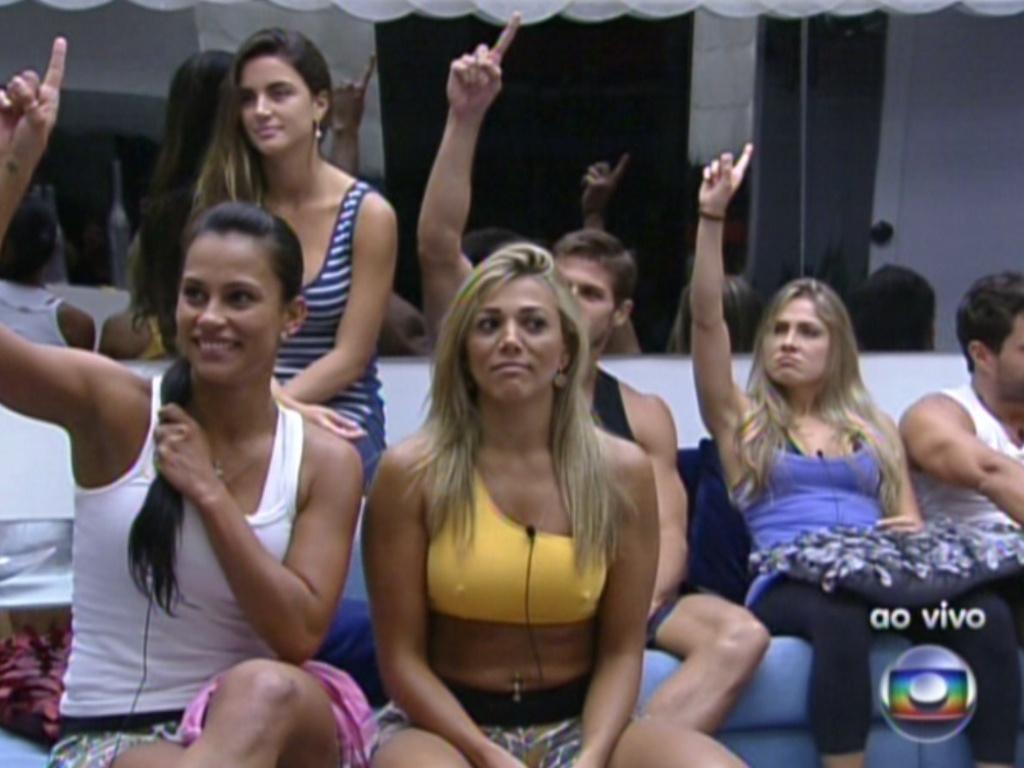 Kelly, Jonas e Renata dizem para Pedro Bial que querem que a prova do líder seja de resistência (2/2/12)