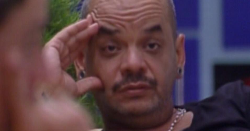 João Carvalho daria anjo para Laisa (2/2/12)