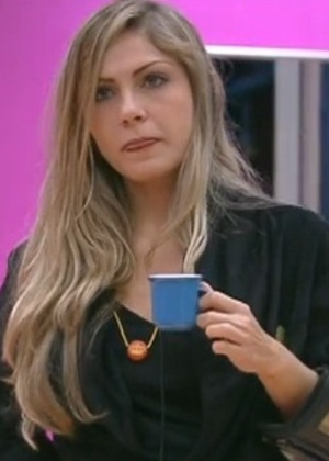 Renata conversa com João Carvalho e Monique sobre comportamento dos brothers (3/2/2012)
