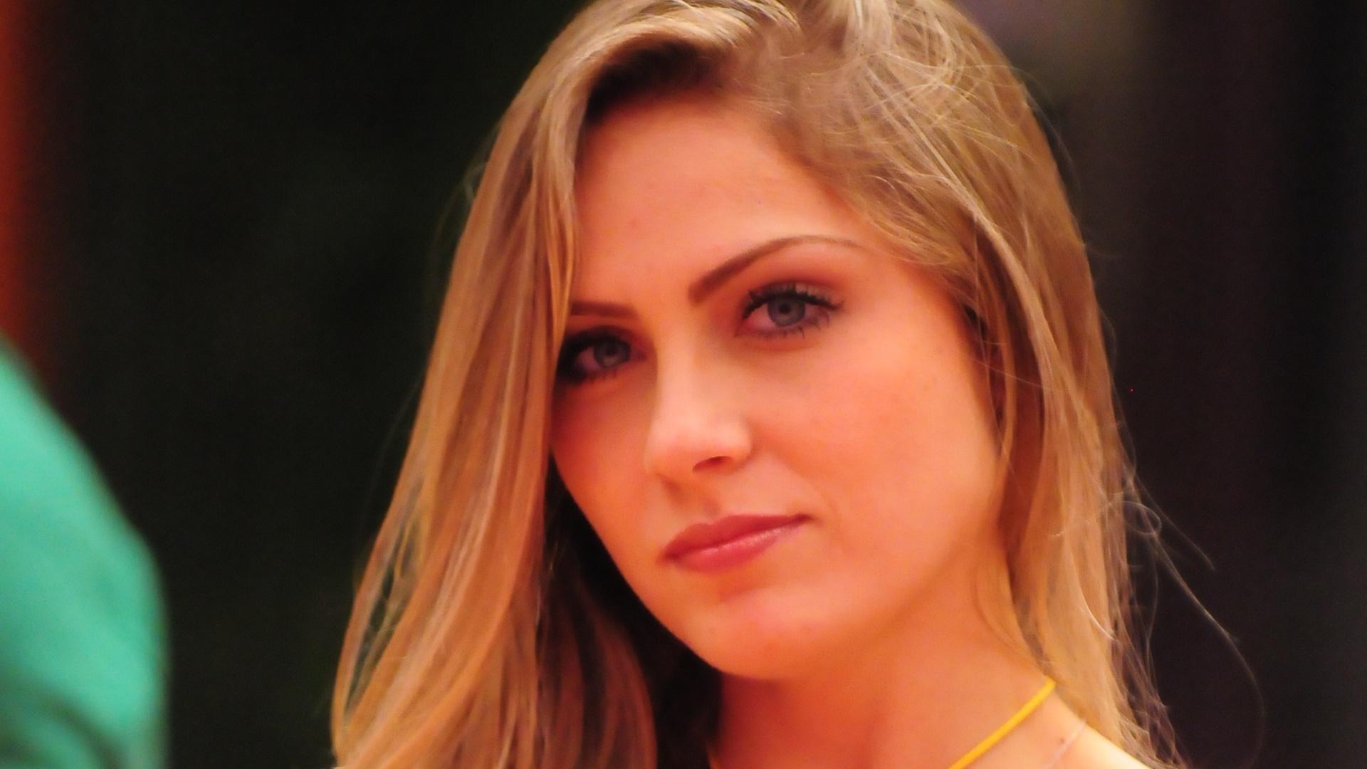 Líder Renata aguarda início de votação (5/2/2012)