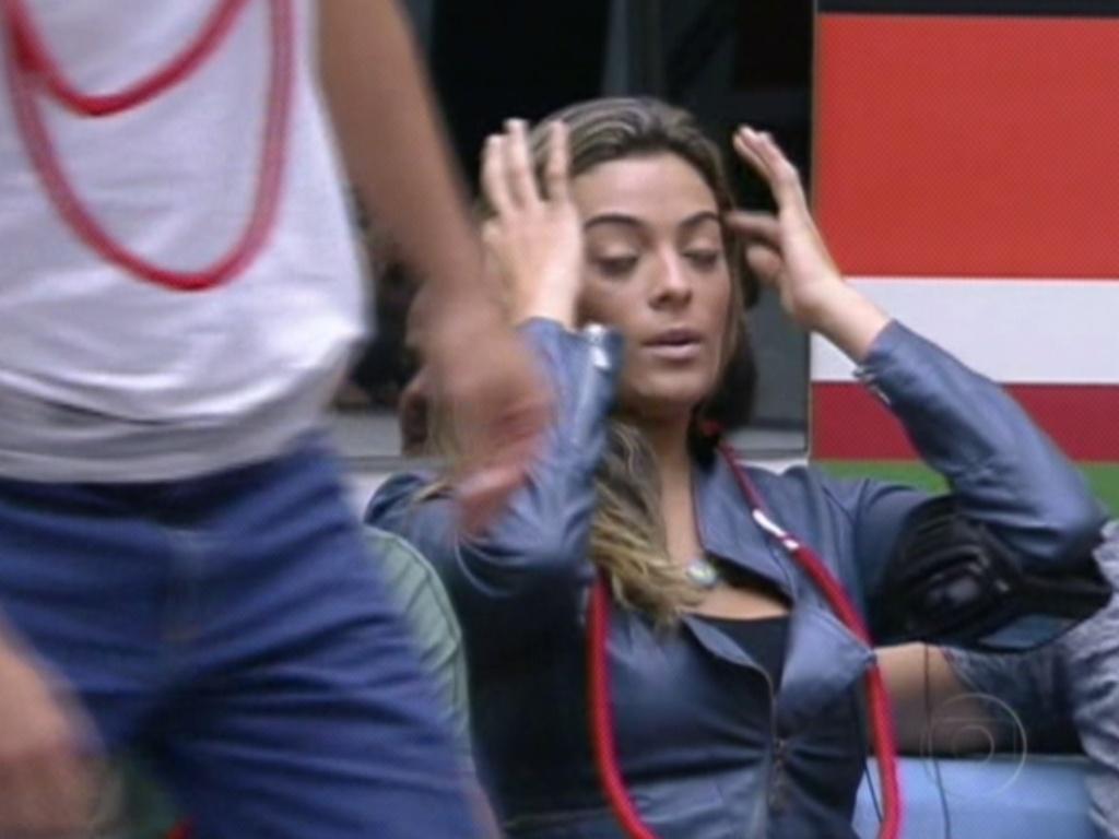 Monique é a última a jogar e escolheu Rafa ao invés de João Carvalho para ter o poder do não na próxima prova do líder (6/2/12)