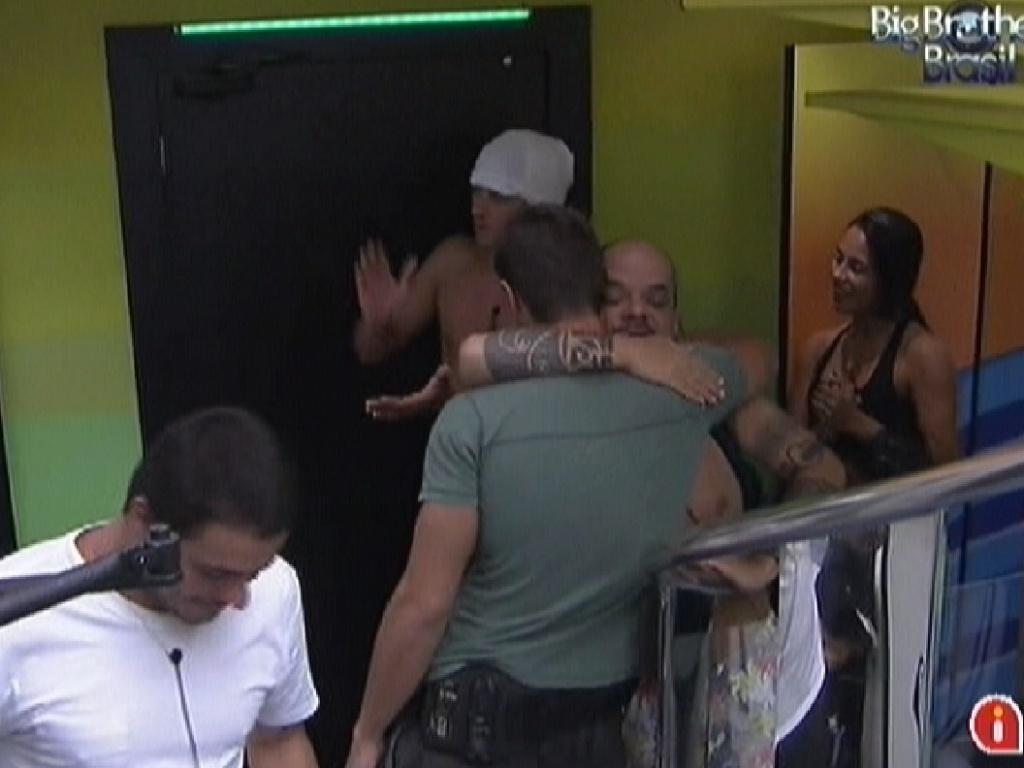 Brothers cumprimentam Jonas pelo seu aniversário (6/2/2012)