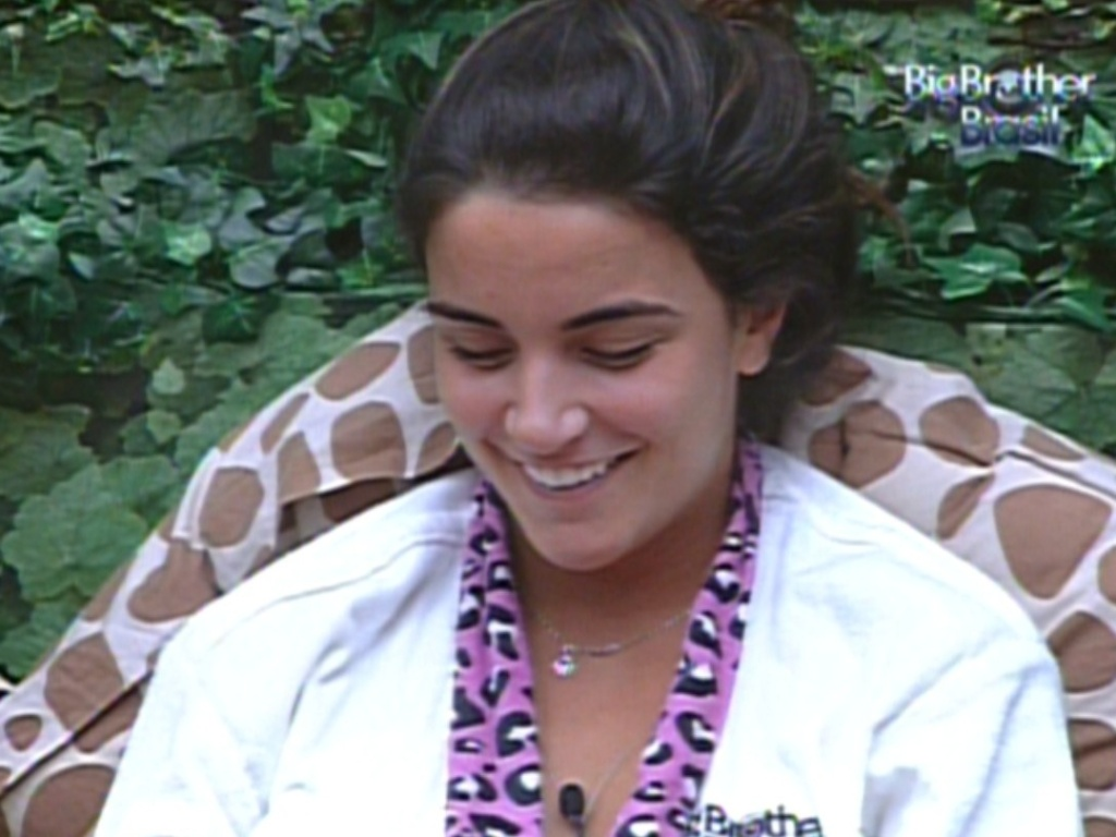 Laisa conversa com brothers do quarto Selva sobre o prximo paredo (9/2/12)