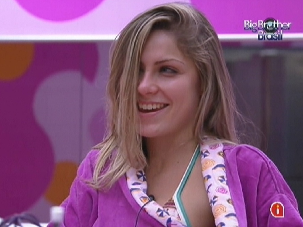 Renata na cozinha conversa com João Carvalho e Laisa (15/2/12)