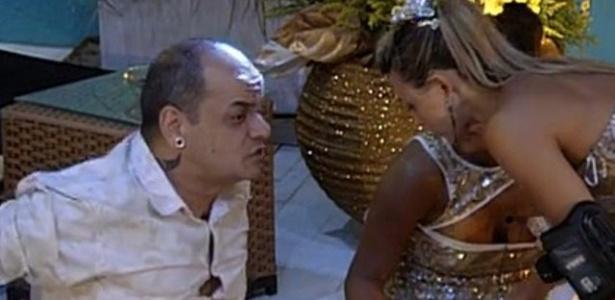 João Carvalho desabafa com Kelly e Fabiana sobre Rafa (18/2/12)