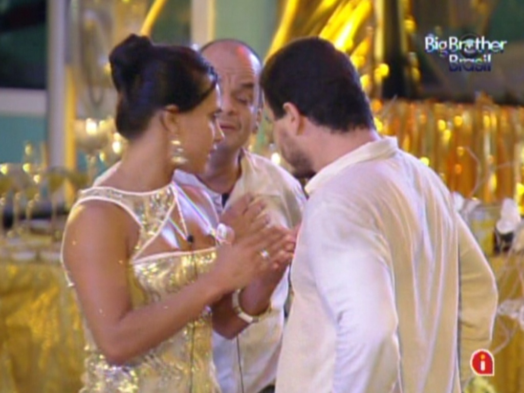 Rafa explica para Kelly a discusso com Joo Carvalho (18/2/12)