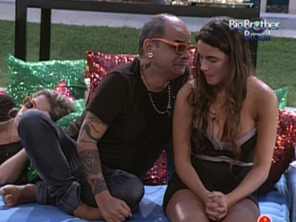 Joo Carvalho desabafa com Laisa (21/2/12)
