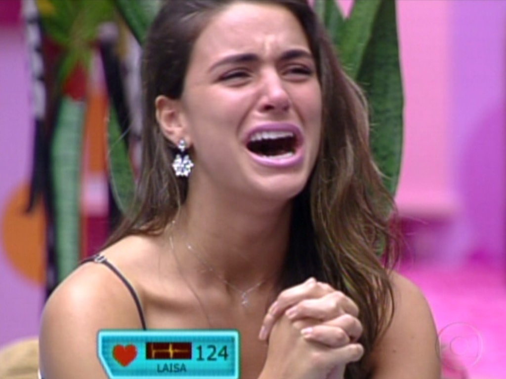 Laisa chora muito ao ver famlia (21/2/12)