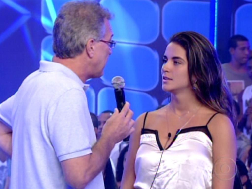Bial questiona Laisa sobre seu índice de rejeição no programa (22/2/12)