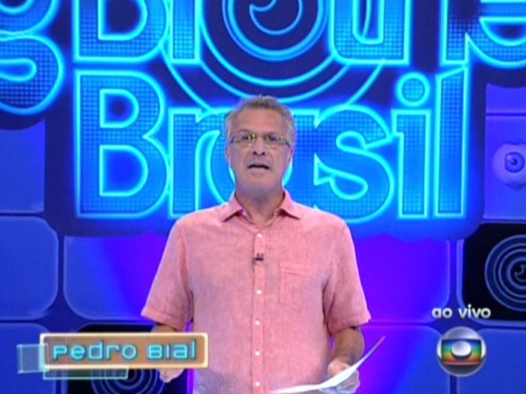 Pedro Bial apresenta programa ao vivo deste domingo (26/2/12)
