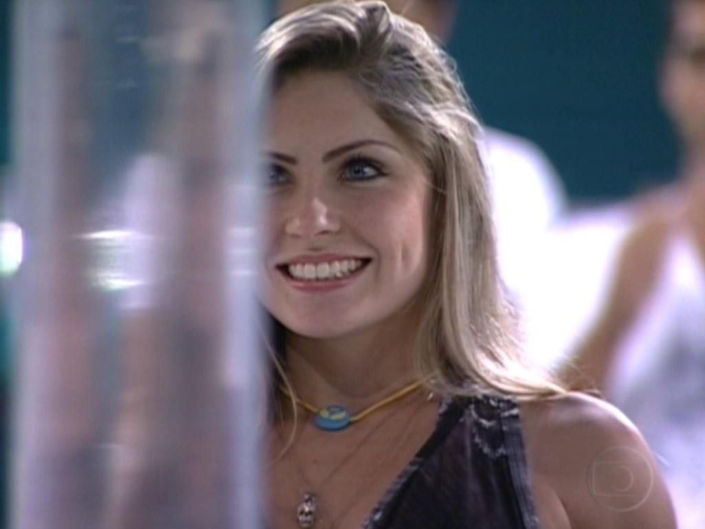 Renata empatou com Fabiana, e foi escolhida a 'mais falsa' por três pessoas da casa no jogo da discórdia (27/2/12)