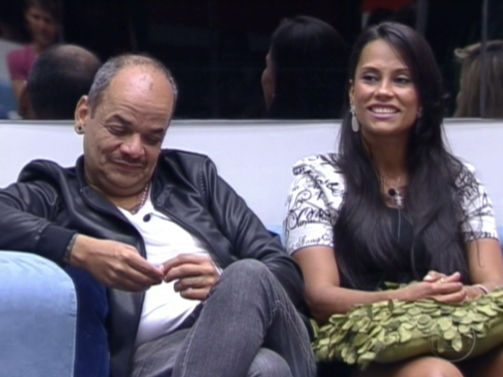 Joo Carvalho e Kelly conversam com o apresentador Pedro Bial (28/2/12)