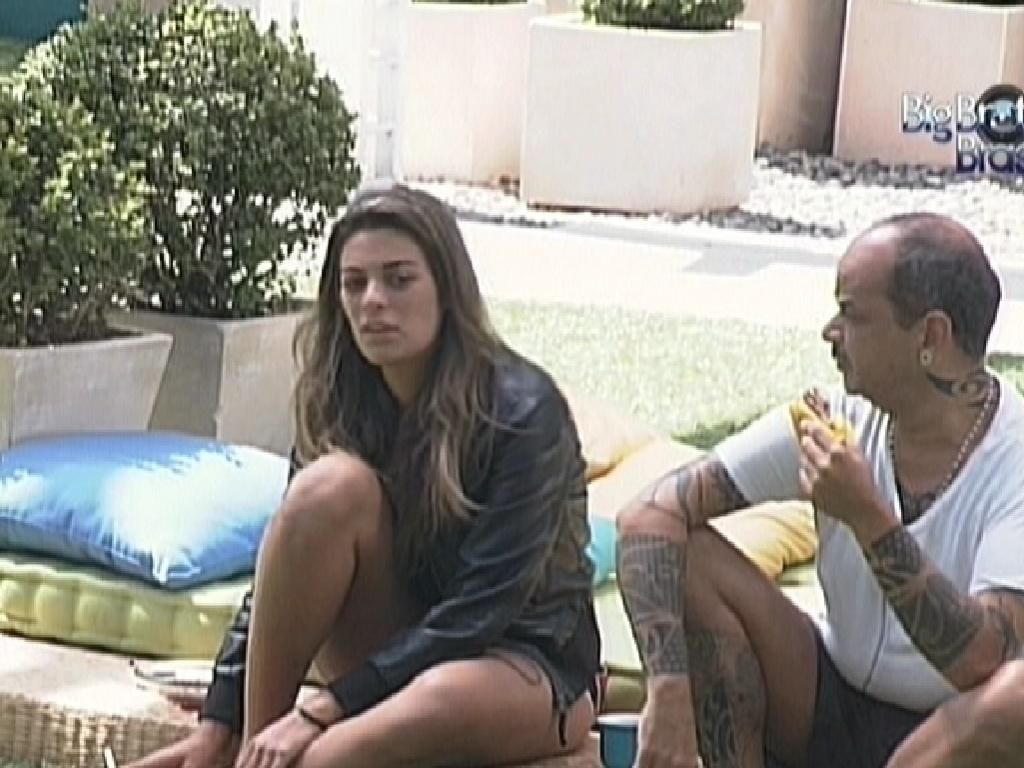 Monique fala sobre Jonas com João Carvalho (29/2/12)