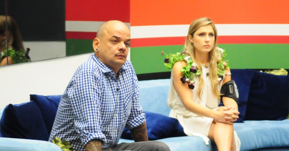 João Carvalho e Renata se enfrentam no paredão (4/3/12)
